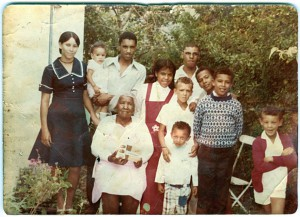 Mathilda and her grandchildren in her garden in Longmarket Street. (photo published in Portrait of a Village by Annalize Mouton)